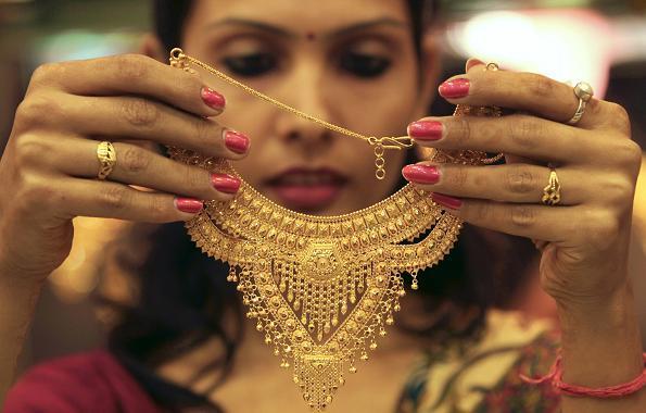 buying gold jewelery