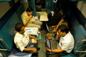 gadget users in train