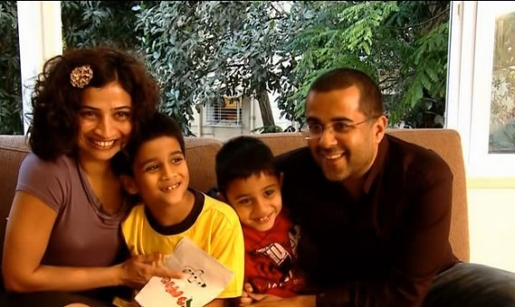 Read The Love Story of Chetan Bhagat And Anusha, How they met each other and fell in Love